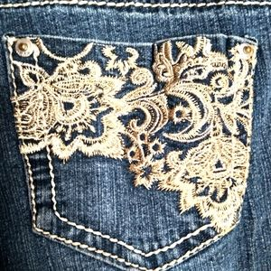 No Boundries blue jean embroidered capri jeans.